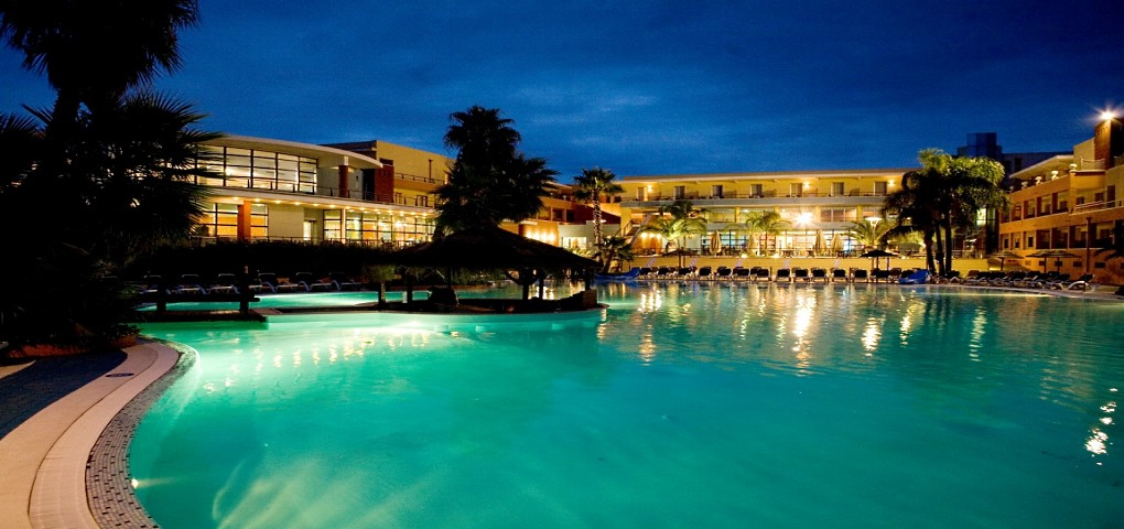 Esperia Palace Hotel Puglia Night Pool