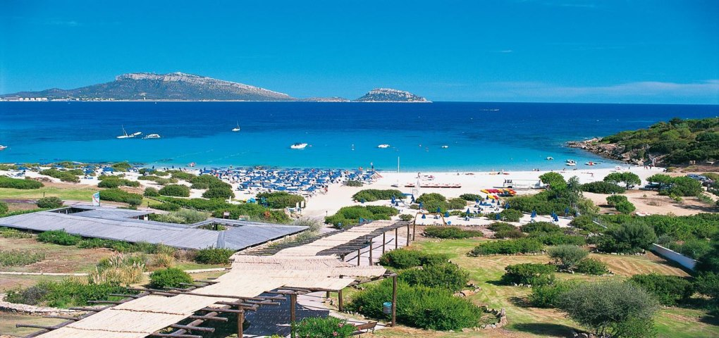 Super offerte hotel villaggio valtur colonna beach resort for Golfo aranci sardegna