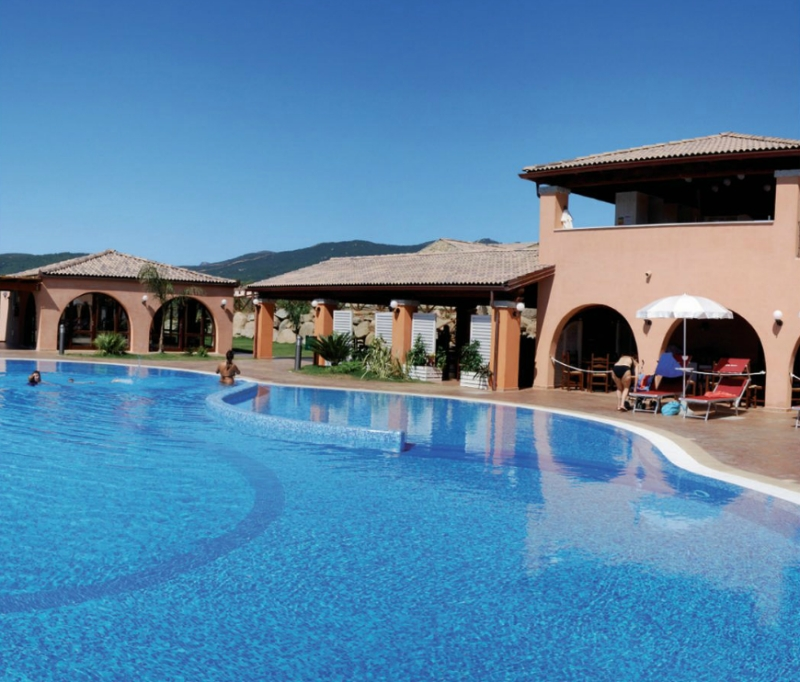 Hotel alma resort cala sinzias costa rei cagliari sardegna offerte last minute last second - Hotel con piscina cagliari ...