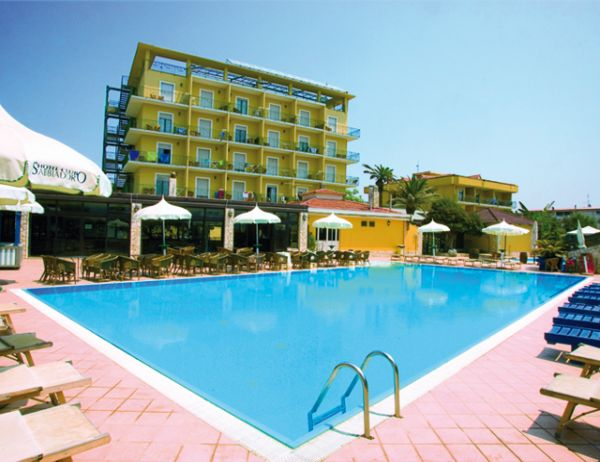 Hotel sabbiadoro paestum battipaglia cilento salerno - Hotel paestum con piscina ...