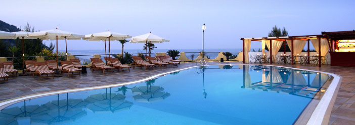 Hotel baia dei faraglioni hotel di lusso con centro for Luxury hotel 5 stelle