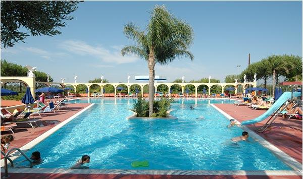 Hotel green garden village carovigno residence - Green garden piscina ...